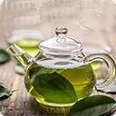 Зеленый чай Зеленый чай впервые появился в Китае около 5000 лет назад, распространился в Японии, Вьетнаме, Корее, Индонезии и Индии. В России зеленый чай появился в XVI веке, в Европе – в XVII. Зеленый чай пробовали выращивать в Средней Азии, в Крыму и на Кавказе. Сейчас зеленый чай производится в основном ...